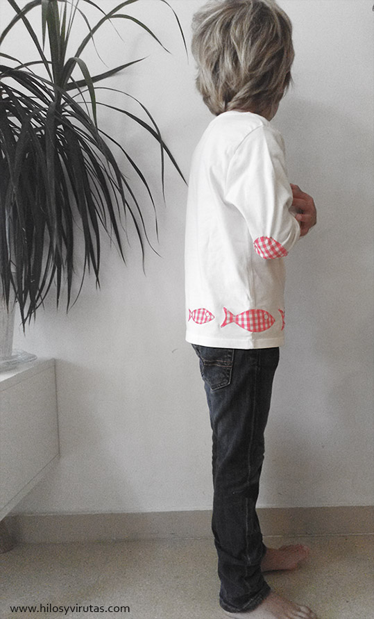 camiseta con coderas parches peces