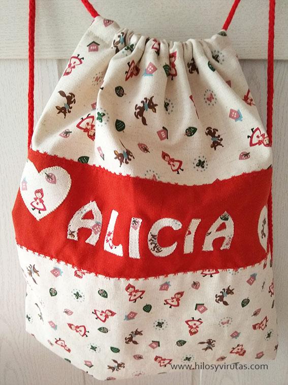 mochila tela caperutcita roja alicia